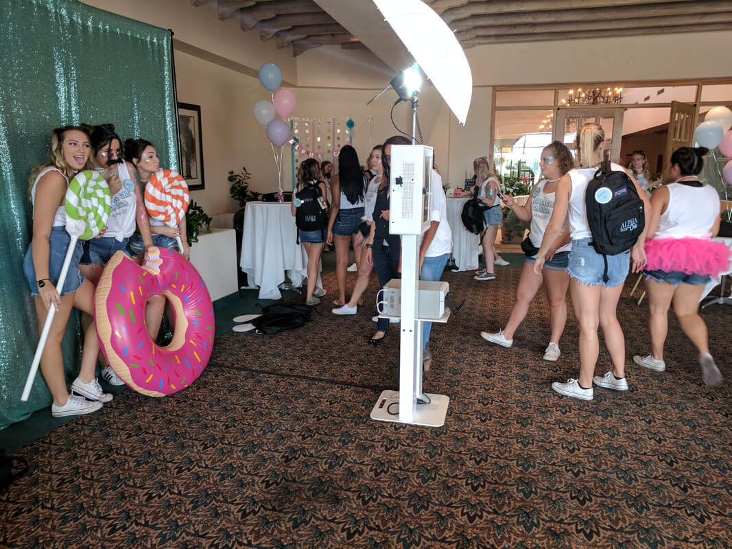ua-alpha-chi-omega-sorority-bid-day-photo-booth-at-omni-tucson-4-orig