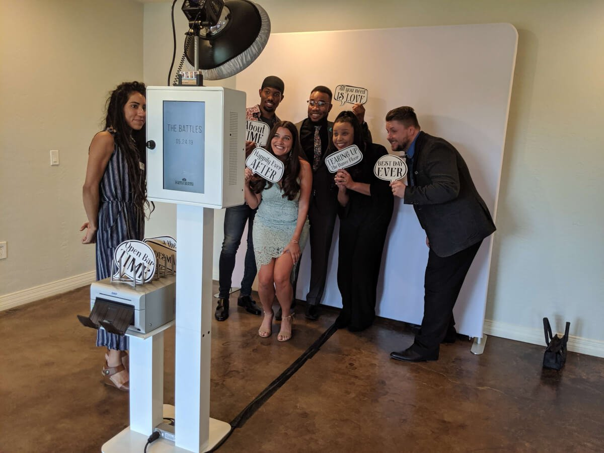 Wedding party in the photo booth